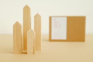 Deko Holzhäuser von topographic mit Verpackung